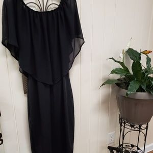 Dresses & Skirts - Black off the shoulders dress